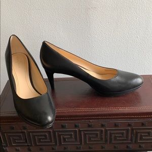 Black Soft Leather pumps